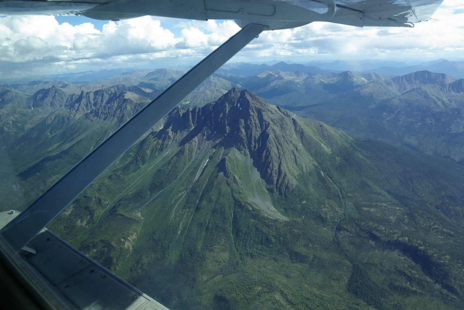 Flying-to-the-hess-mountains